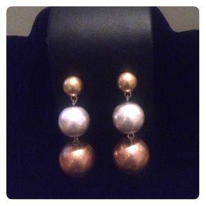 Jewelry - Fabulous 3 Pearly Metallic Balls Beads Earrings
